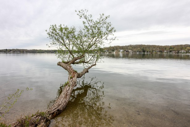 W5563 Meadow Lark Dr, Elkhorn, WI - USA (photo 1)