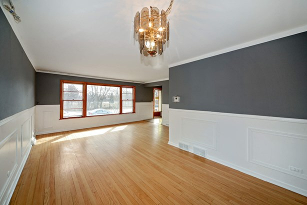 Living Room / Dining Room (photo 3)