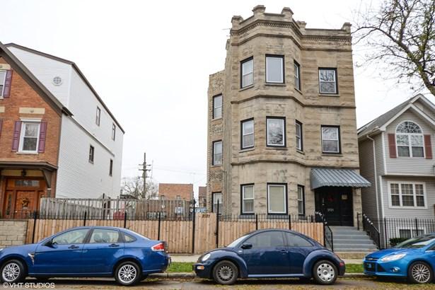2129 W Ohio Street, Chicago, IL - USA (photo 1)