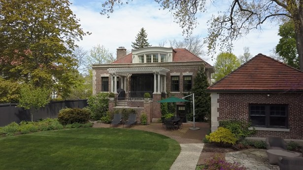 687 Sheridan Road, Wilmette, IL - USA (photo 2)