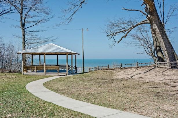 Access To Lake Michigan Beach Club (photo 2)