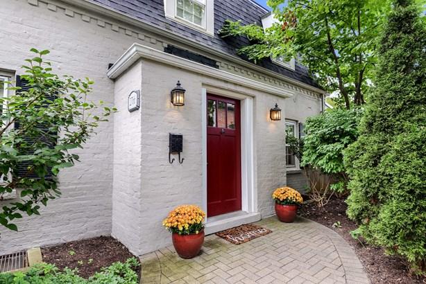 Charming Front Door (photo 2)