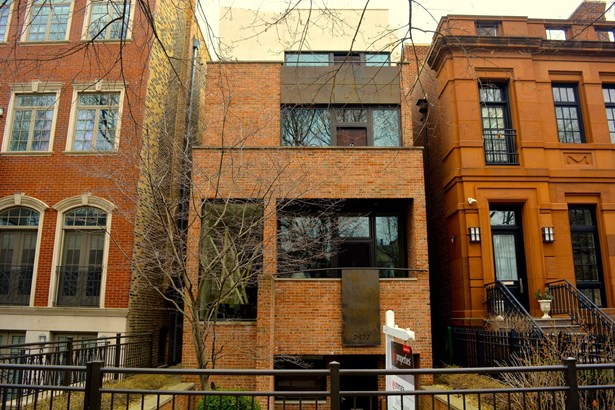 2427 N Burling Street, Chicago, IL - USA (photo 1)