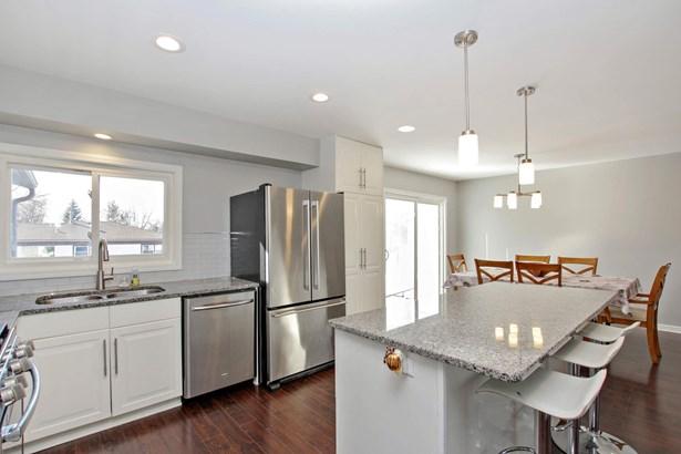 Kitchen/Dining (photo 4)