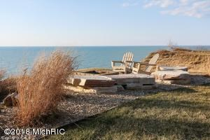 Association Deck at Lake Michigan (photo 2)