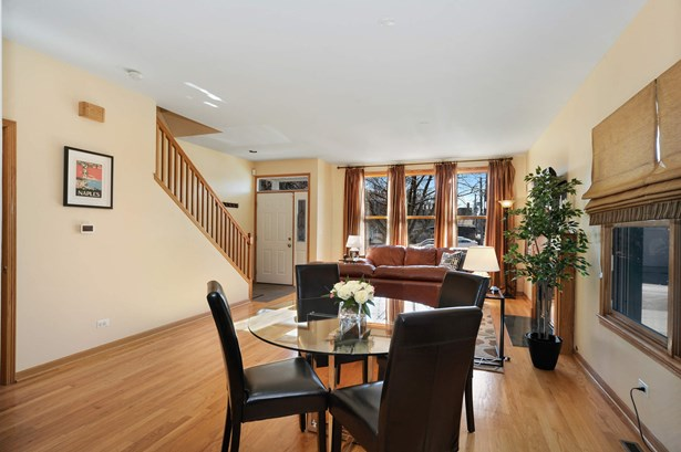 Living Room/Dining Room (photo 5)