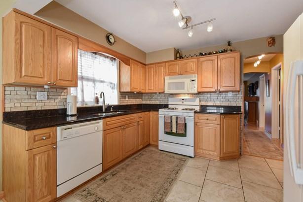 Upstairs Kitchen (photo 3)