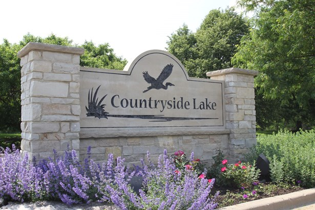 26709 N Countryside Lake Drive, Mundelein, IL - USA (photo 2)