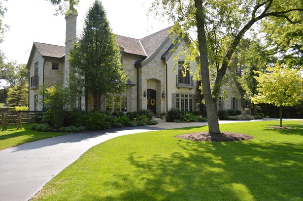 1-Acre Estate with 8,500sqft (photo 1)