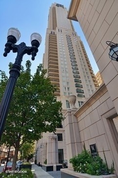 11 E Walton Street 3900, Chicago, IL - USA (photo 1)