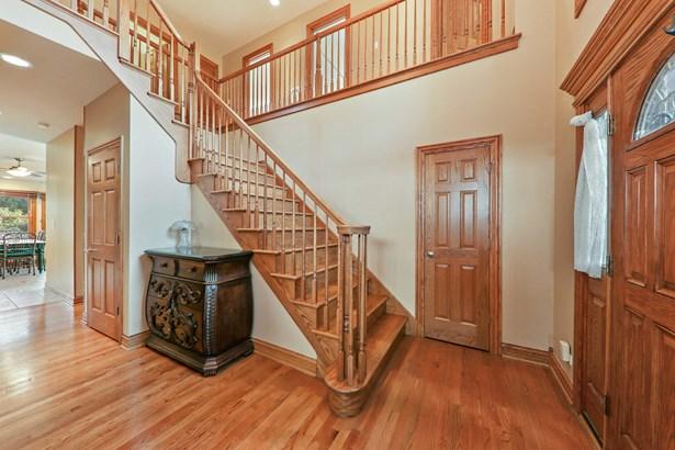 Foyer (photo 1)