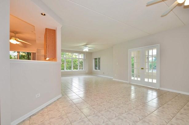 Kitchen / Living Room (photo 3)