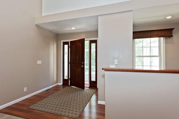 Foyer (photo 4)