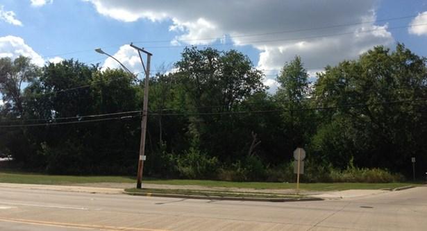 742 N Lake Street, Mundelein, IL - USA (photo 2)