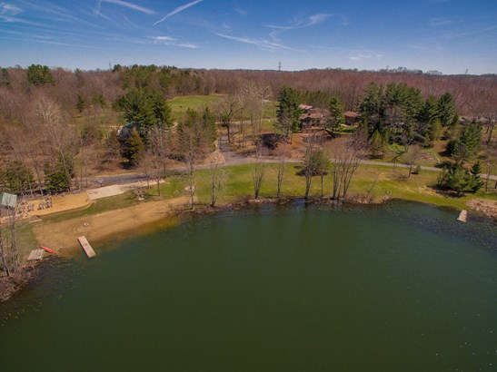 Overhead view of 32 acre property (photo 4)