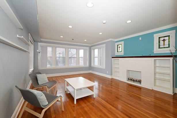 Living Room Unit 2F (photo 2)
