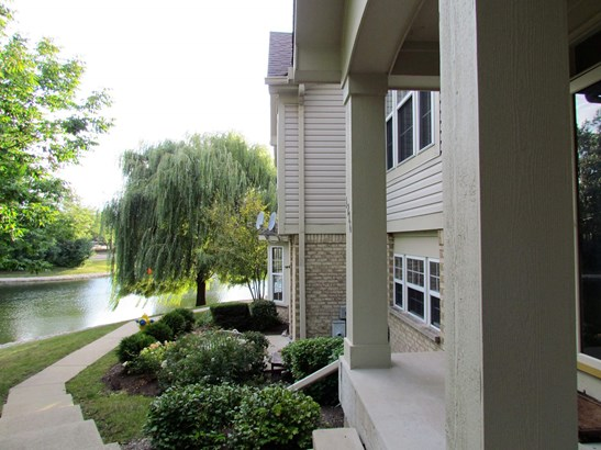1216 Georgetown Way 1216, Vernon Hills, IL - USA (photo 2)
