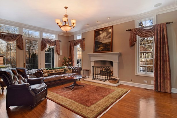Virtually Staged Living Room (photo 2)
