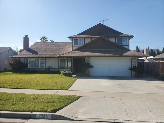 Single Family Residence - Placentia, CA
