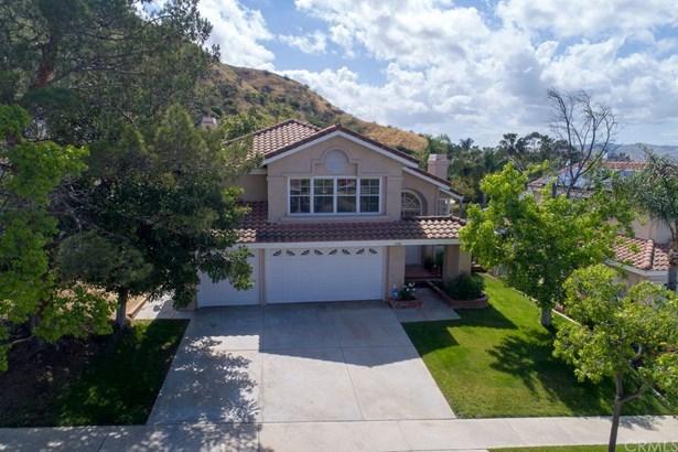 Single Family Residence, Traditional - Corona, CA