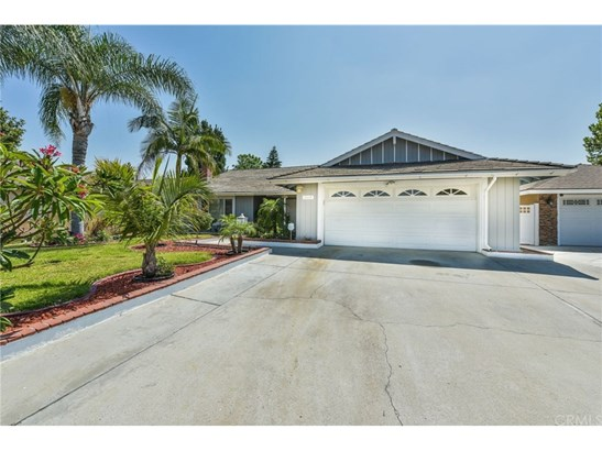Single Family Residence, Traditional - Santa Ana, CA (photo 1)