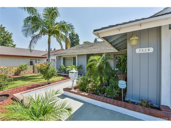 Single Family Residence, Traditional - Santa Ana, CA (photo 3)