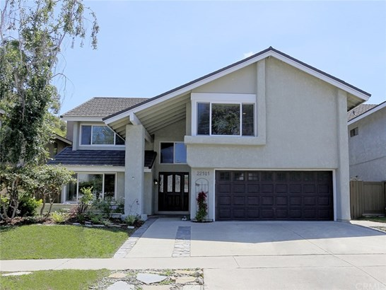 Single Family Residence - Lake Forest, CA