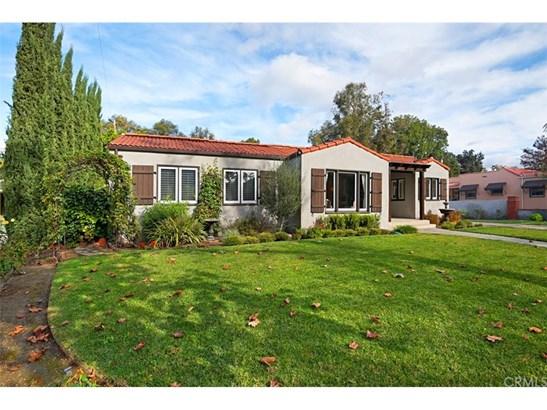 Custom Built,Spanish, Single Family Residence - Santa Ana, CA (photo 3)