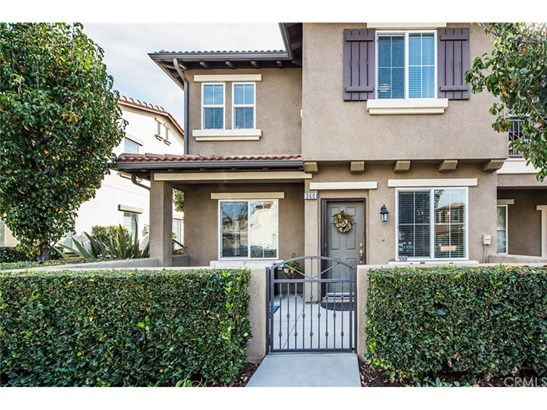 Townhouse, Traditional - Orange, CA (photo 1)