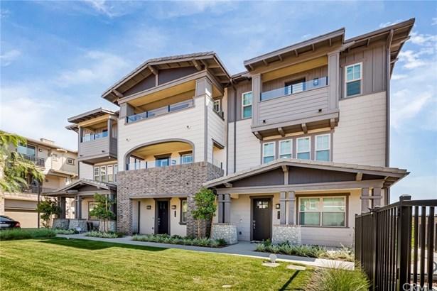 Townhouse - Claremont, CA