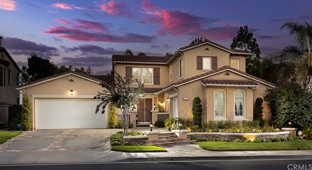 Mediterranean, Single Family Residence - Anaheim Hills, CA
