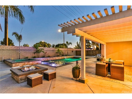 Single Family Residence, Contemporary - Huntington Beach, CA (photo 3)