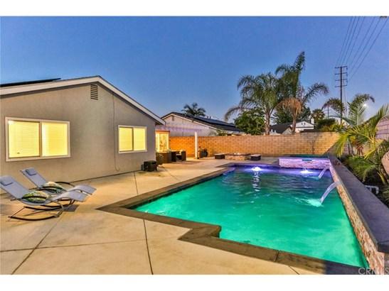 Single Family Residence, Contemporary - Huntington Beach, CA (photo 4)