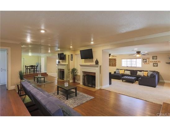 Single Family Residence, Traditional - Anaheim, CA (photo 3)