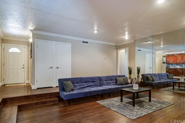 Single Family Residence, Traditional - Anaheim, CA (photo 5)