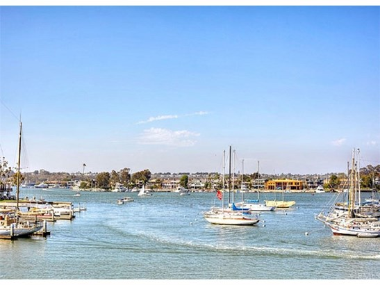 Duplex - Newport Beach, CA (photo 5)