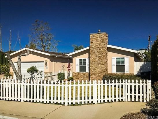 Ranch,Traditional, Single Family Residence - Costa Mesa, CA (photo 3)
