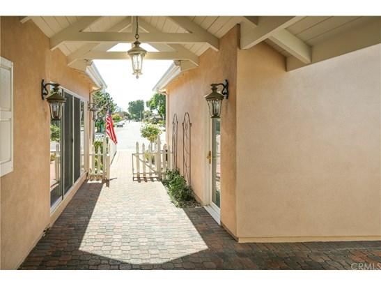 Ranch,Traditional, Single Family Residence - Costa Mesa, CA (photo 4)