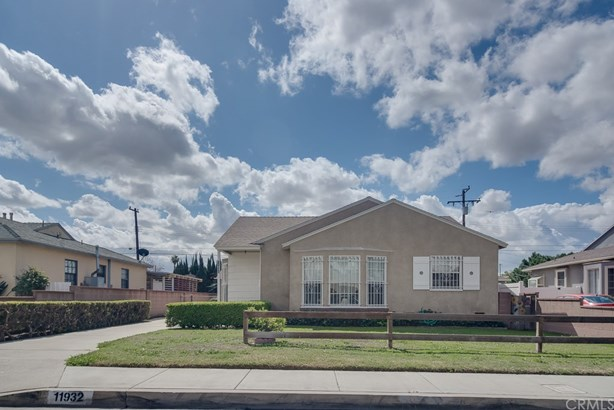 Single Family Residence, Bungalow,Traditional - Norwalk, CA (photo 2)