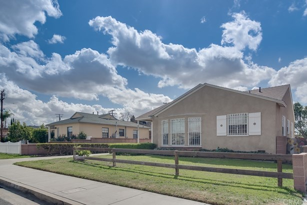 Single Family Residence, Bungalow,Traditional - Norwalk, CA (photo 4)