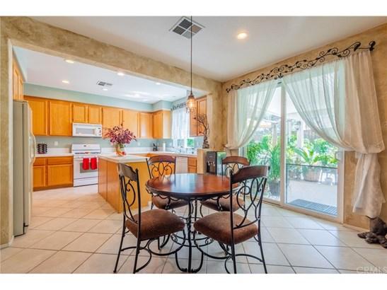 Mediterranean, Single Family Residence - San Jacinto, CA (photo 5)