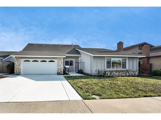 Single Family Residence, Traditional - Fountain Valley, CA