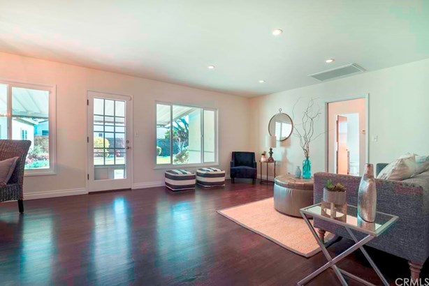 Single Family Residence, Bungalow - Fullerton, CA (photo 4)