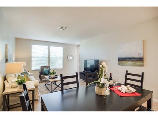 Condominium - Garden Grove, CA