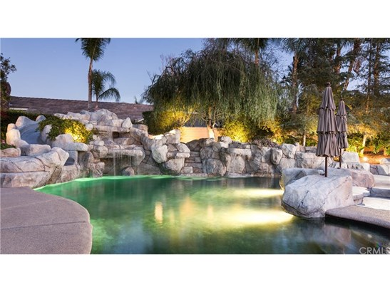 Single Family Residence, Ranch - Orange, CA (photo 4)
