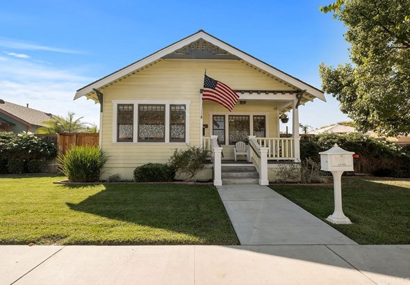 Single Family Residence, Craftsman - Anaheim, CA
