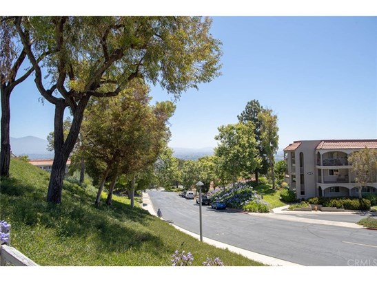 Condominium - Laguna Woods, CA (photo 4)
