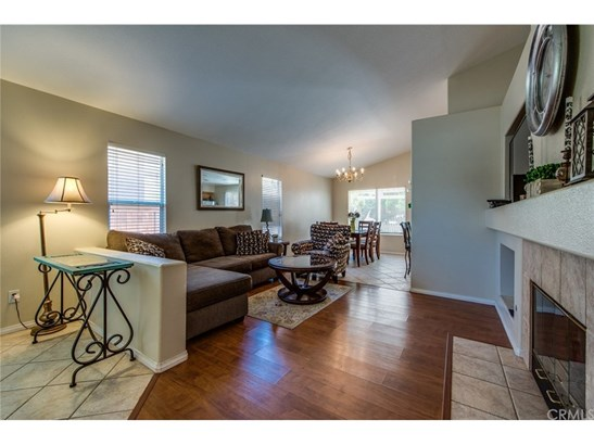 Single Family Residence - Corona, CA (photo 3)