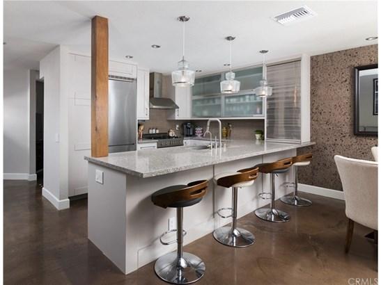 Condominium, Modern - Anaheim Hills, CA (photo 3)