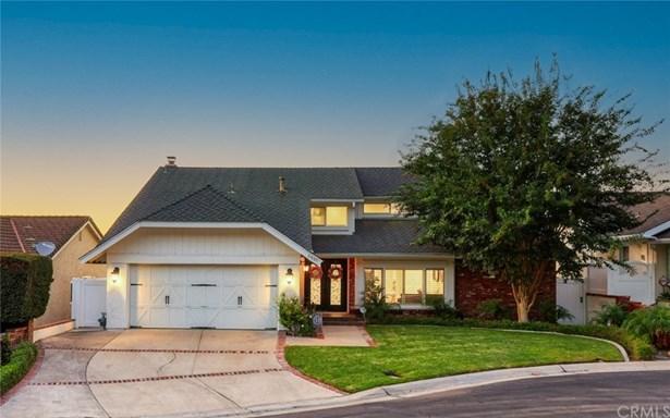 Single Family Residence, Traditional - Orange, CA